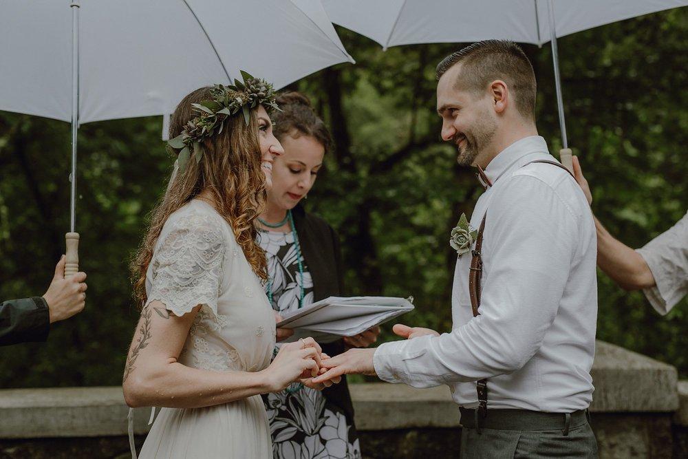 oregon-waterfall-elopement-wedding_0028.jpg