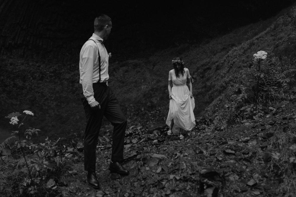 oregon-waterfall-elopement-wedding_0050.jpg