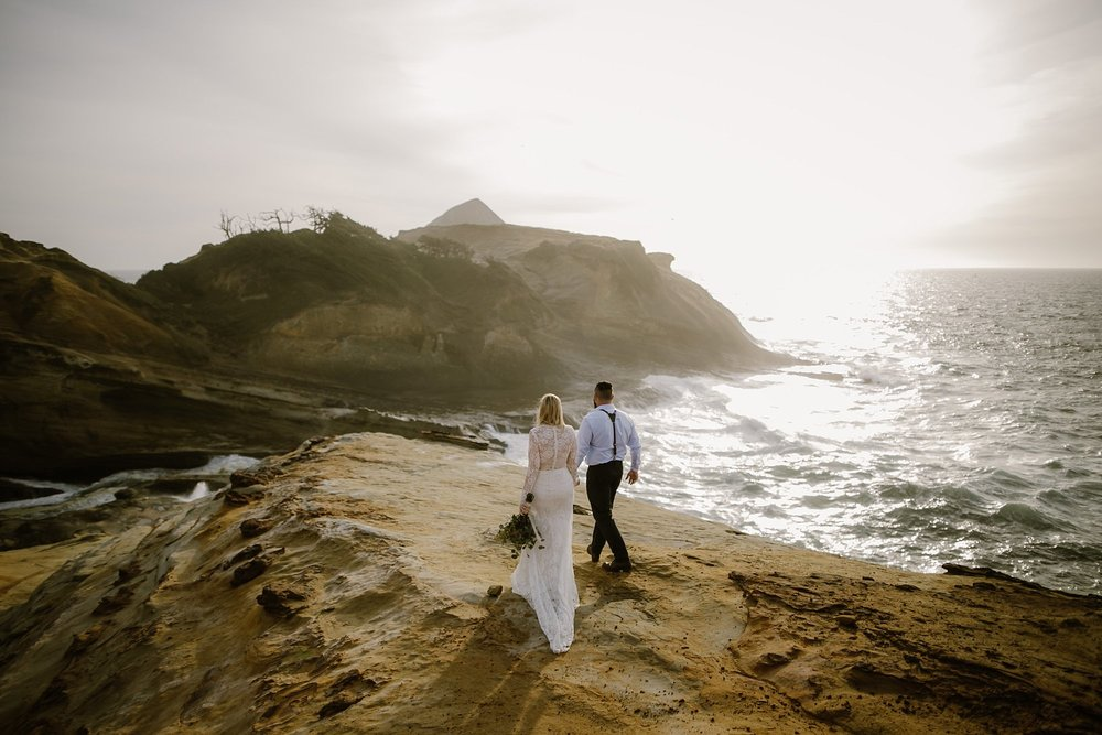 cape-kiwanda-elopement-wedding_0017.jpg