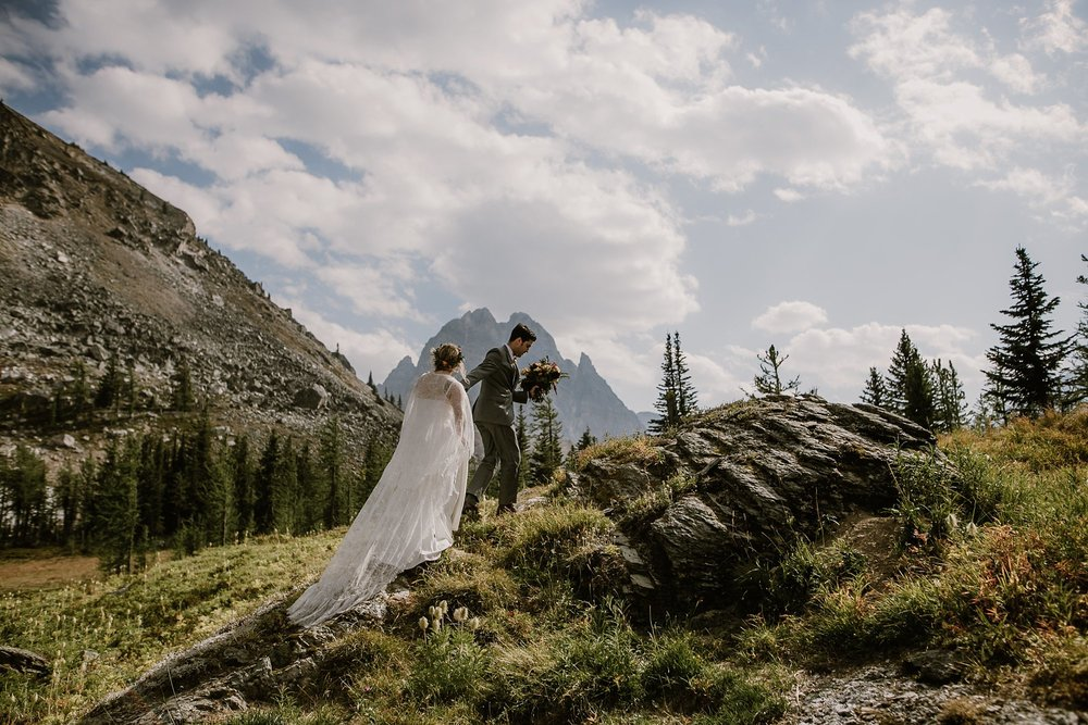 banff-canada-elopement-wedding_0019.jpg
