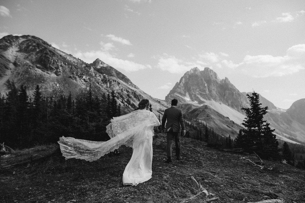 banff-canada-elopement-wedding_0027.jpg