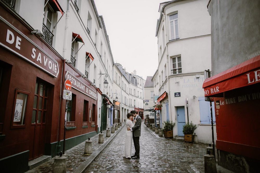 An elopement wedding at Parc Monceau in Paris, France