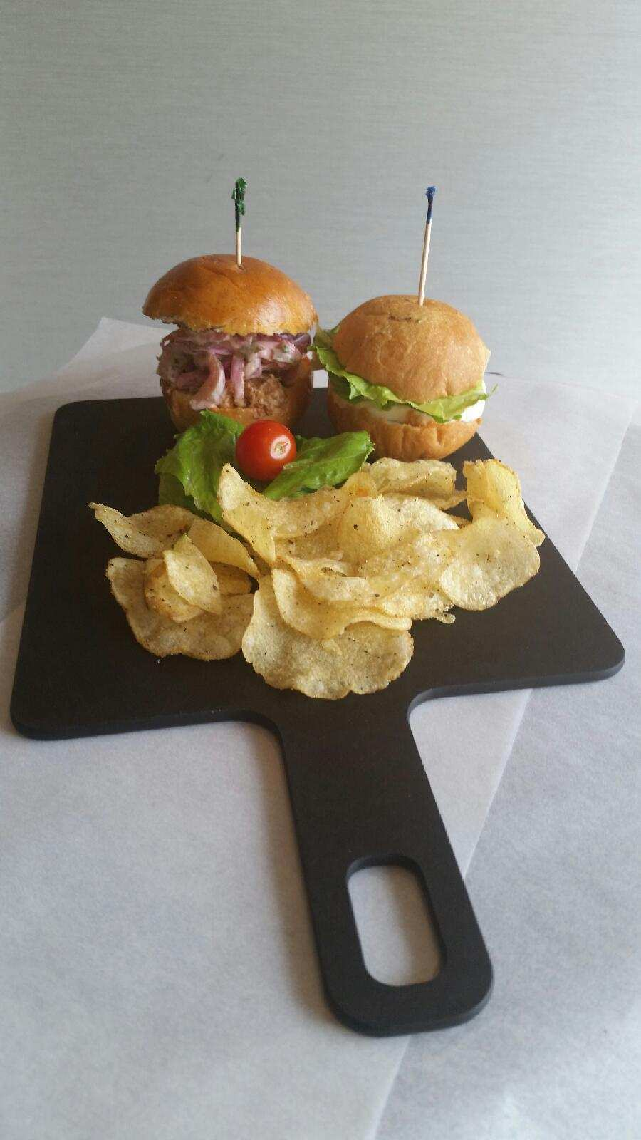 Pulled Pork & Mozzarella Fresca Sliders