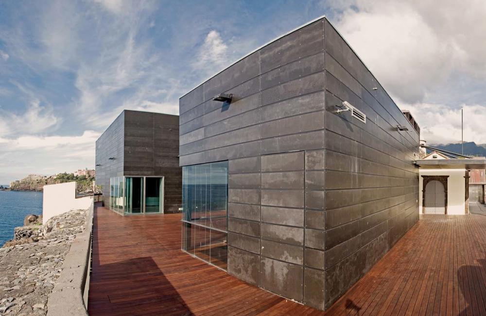 Black Viroc facades | Molhe da Pontinha Restaurant | Carlos Guimarães and Luís Soares Carneiro | Funchal, Portugal