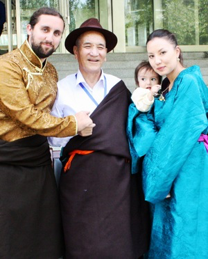 Tibet's most senior Doctor Aku Nyima with Joey, Laila and their daughter Goma Devi in Xining, Qinghai, Tibet/China.