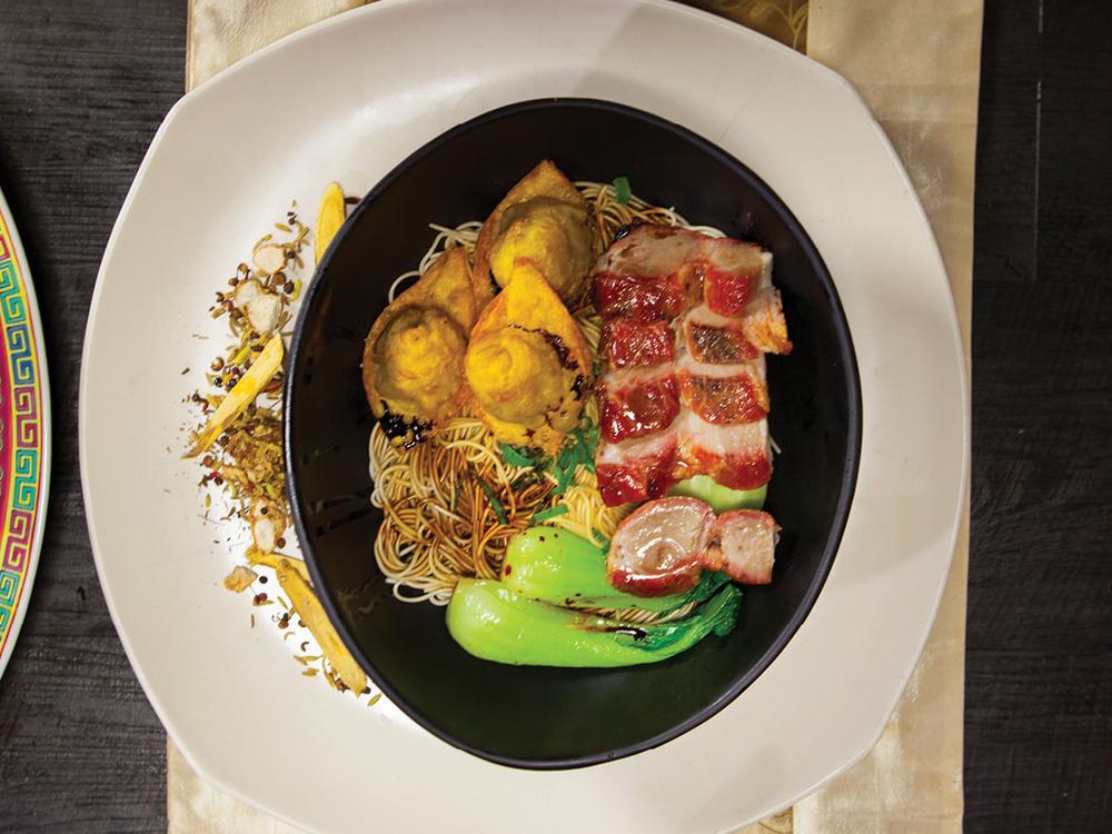 Barbeque Pork and Fried Wonton  Dry La Mian Noodle 炸雲吞叉燒乾撈麵