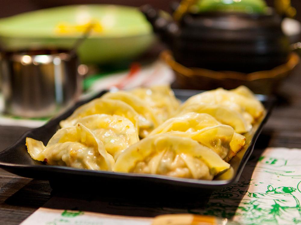 Pan Fried Pork Dumplings 生煎豬肉鍋貼