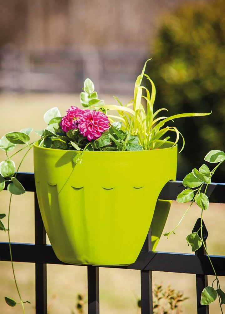 Green Railing Adjustable Planter