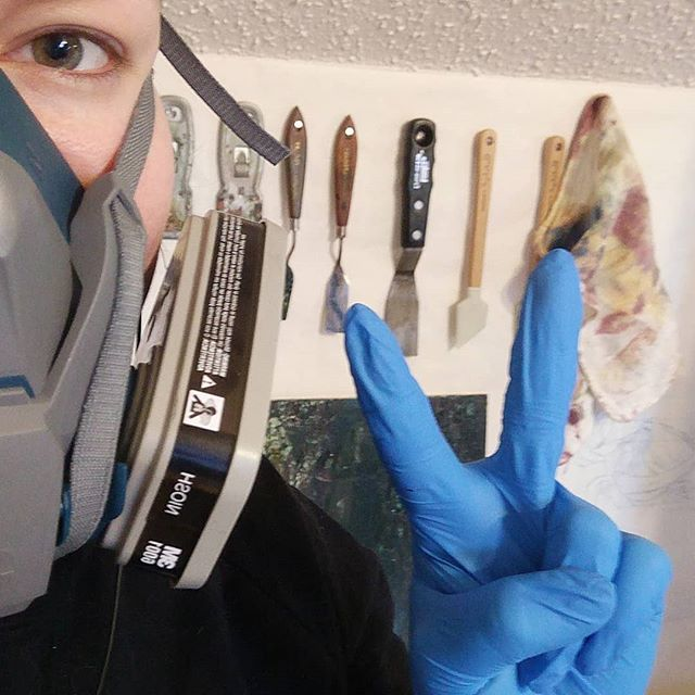 Practicing studio safety has been one of the best moves for me! Thanks @3m . . . . . . #art #artsupplies #oilpainting #studio #safety #bettersafethansorry #artist #studiotime #painting #mask #palette #healthconscious #gloves #smart #oilpainter #artist #artsy #instaartist #wip #today #paint #tools #craft #toolsofthetrade #selfie