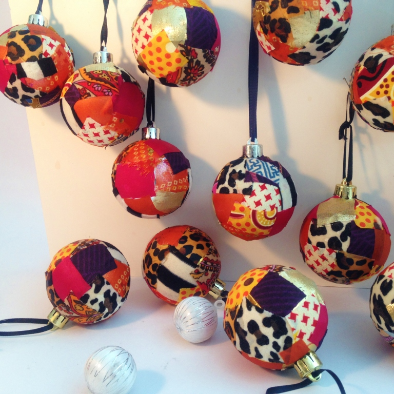 Artworkerprojects.xmasbaubles.1.JPG