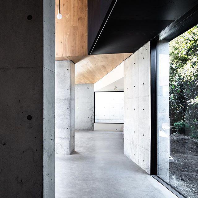 Details #riversidehouse built by @ldhomes concrete @dmc_concrete_art