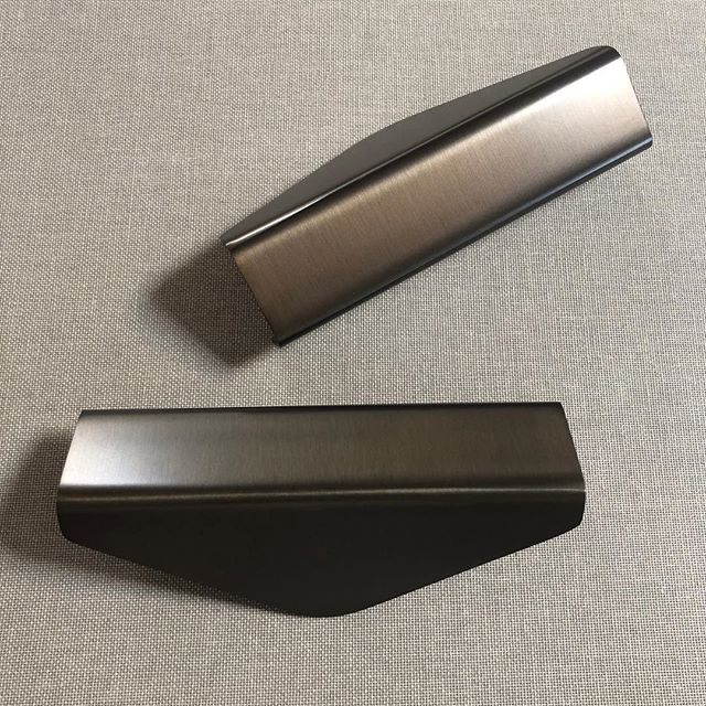 Our bronze finish is back after a brief hiatus #auhausproducts #auhausenvelopehandle