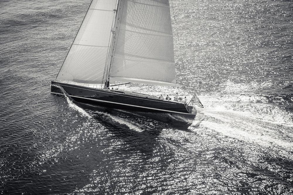 Sailing boat B&W.jpg