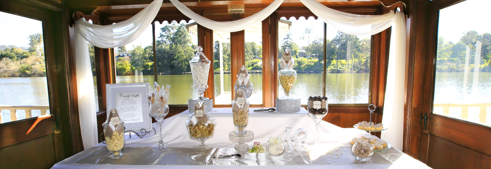THE NEPEAN BELLE paddlewheeler OFFERS YOU FLEXIBILITY AND THE FREEDOM TO HAVE ADDED EXTRAS SUCH AS LOLLY BUFFETS, PHOTO BOOTHS AND EVEN THEMED WEDDINGS.
