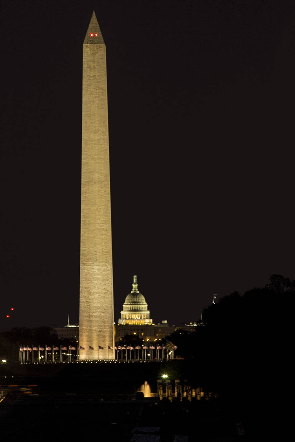 Nighttime Washington Monument.jpg