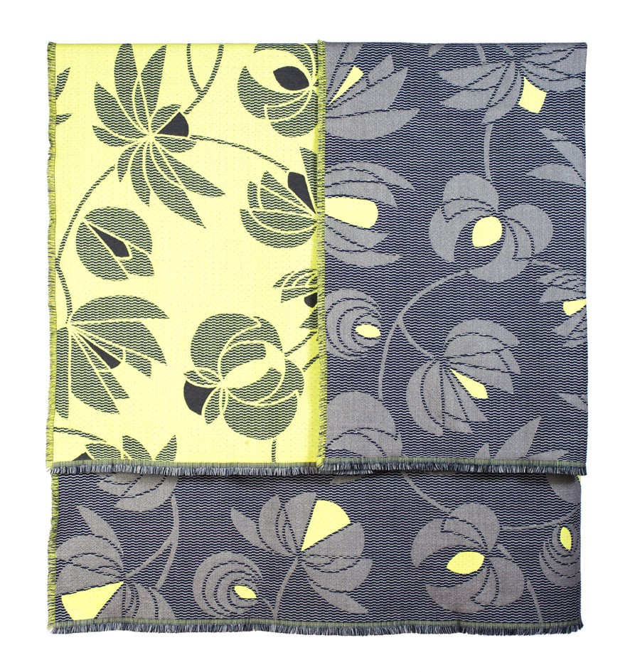 Volubilis lemon&grey - Throw      145 x 185 cm       Composition :    wool 96% silk 4%