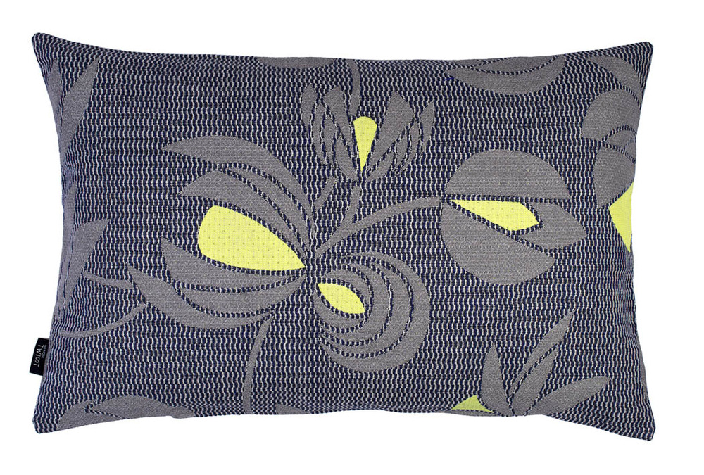 Volubilis grey - cushion  45 x 70 cm  front side: wool 96% silk 4%  back side: light grey linen 100%
