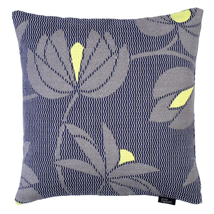 Volubilis grey - cushion 45 x 45 cm  front side: wool 96% silk 4%  back side: light grey linen 100%