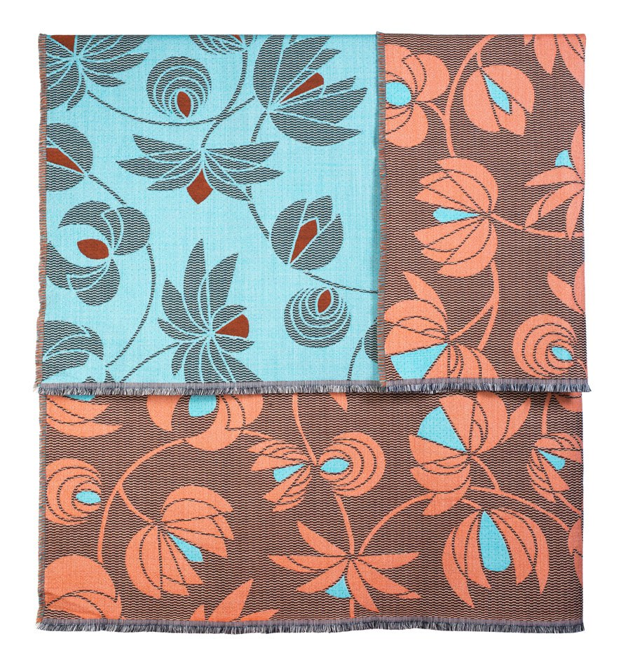 volubilis corail:blue throw-145x185cmNoMoreTwist©Elodie_Timmermans.jpg
