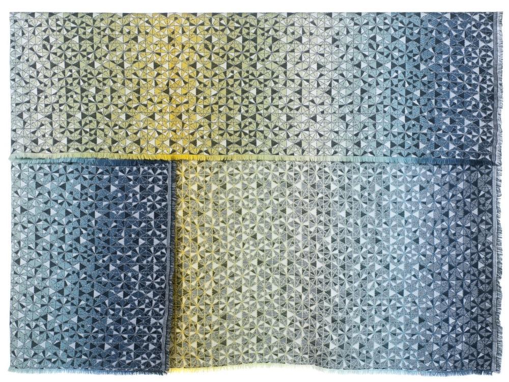 cosmogony//green shades - Throw140 x 200 cm  Composition: 95% wool 5% silk