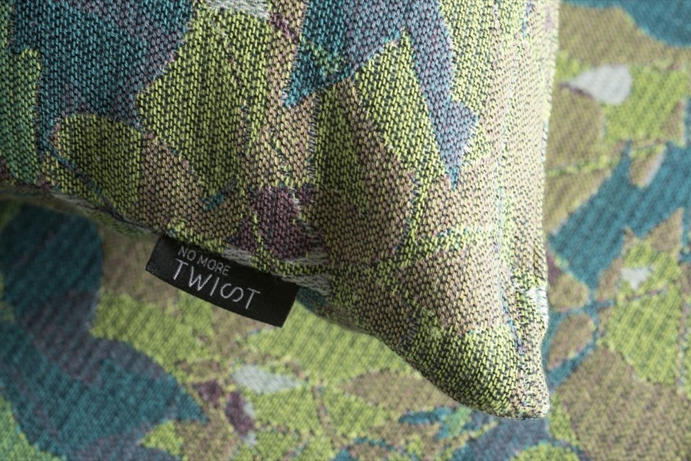 NoMoreTwist-collection Lumen-détail- feuillage-cushion©Nathalie Noël.jpg