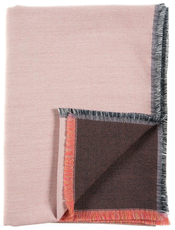 Diffraction/orange - Throw ≅ 142 x 110 cm  Composition: jacquard woven fabric 95% wool, 5% silk