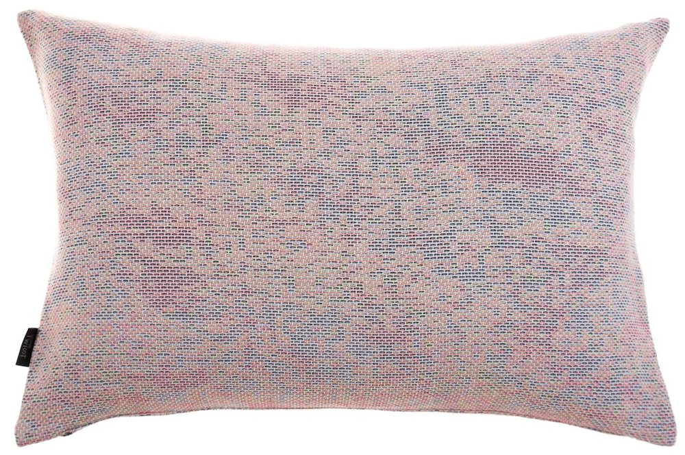 Reflet/ pastel orange - cushion M ≅ 44 x 69 cm  Composition: woven jacquard 78% wool 16% viscose 6% silk