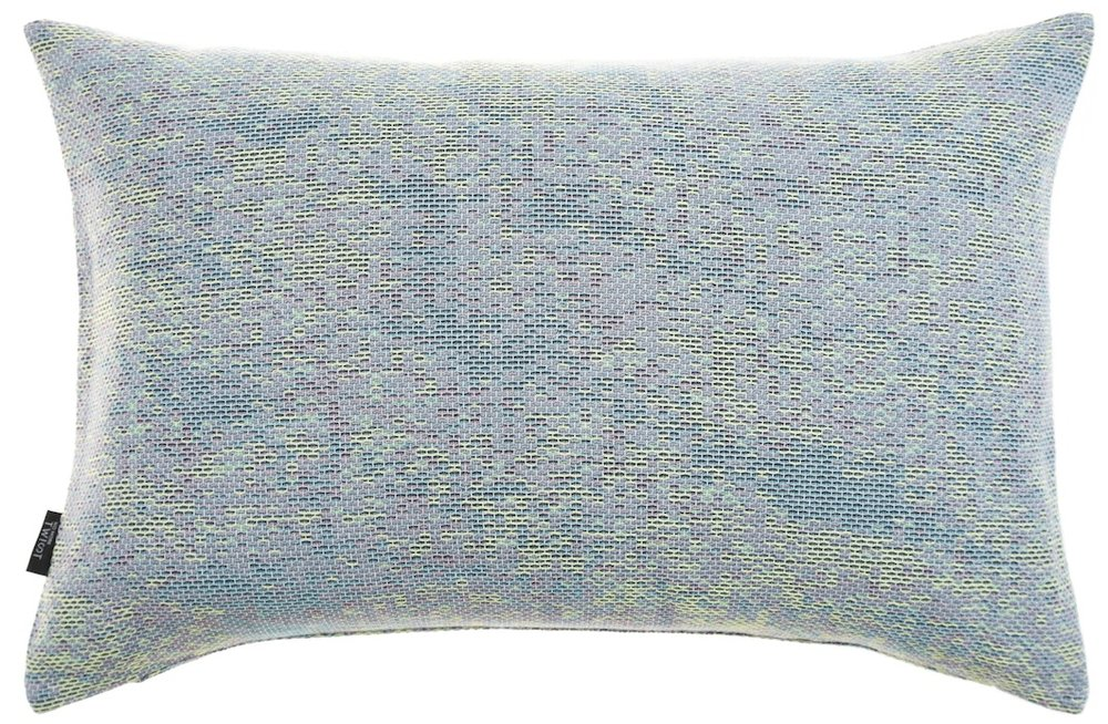 Reflet/ pastel green - cushion M ≅ 44 x 69 cm  Composition: woven jacquard 78% wool 16% viscose 6% silk