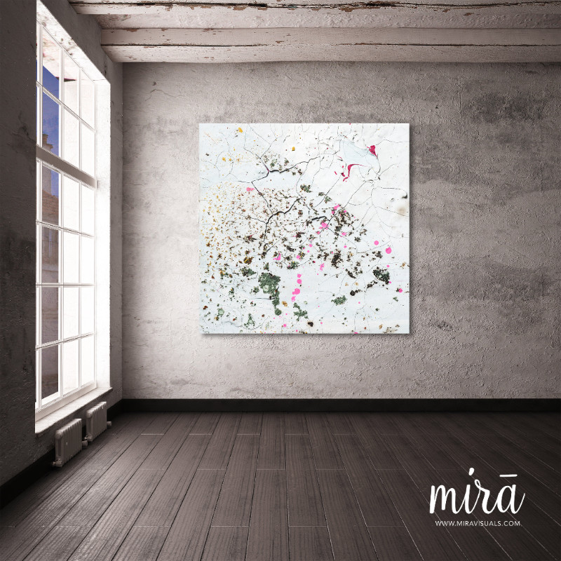 Mira  est le fruit d'une rencontre réunissant deux talents, celui d'un peintre Yvan Brutsaert et celui d'un photographe Laurent Van Ausloos. Leur travail donne naissance à un mélange subtil des deux arts. Une autre œuvre d'artprend forme. Pour le spectateur de nouveaux contrastes, de nouvelles formes et nuances de couleur et de profondeur susciteront de nouvelles émotions.