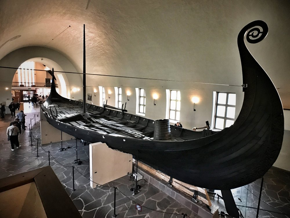 Vikingskipshuset (Viking Ship Museum)