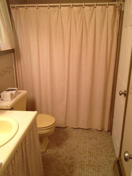 bathroom-before-1-1.jpg