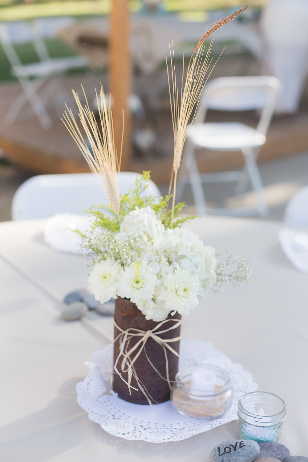 Image taken with a 50mm 1.4 lens | Image sample | Wedding table decor