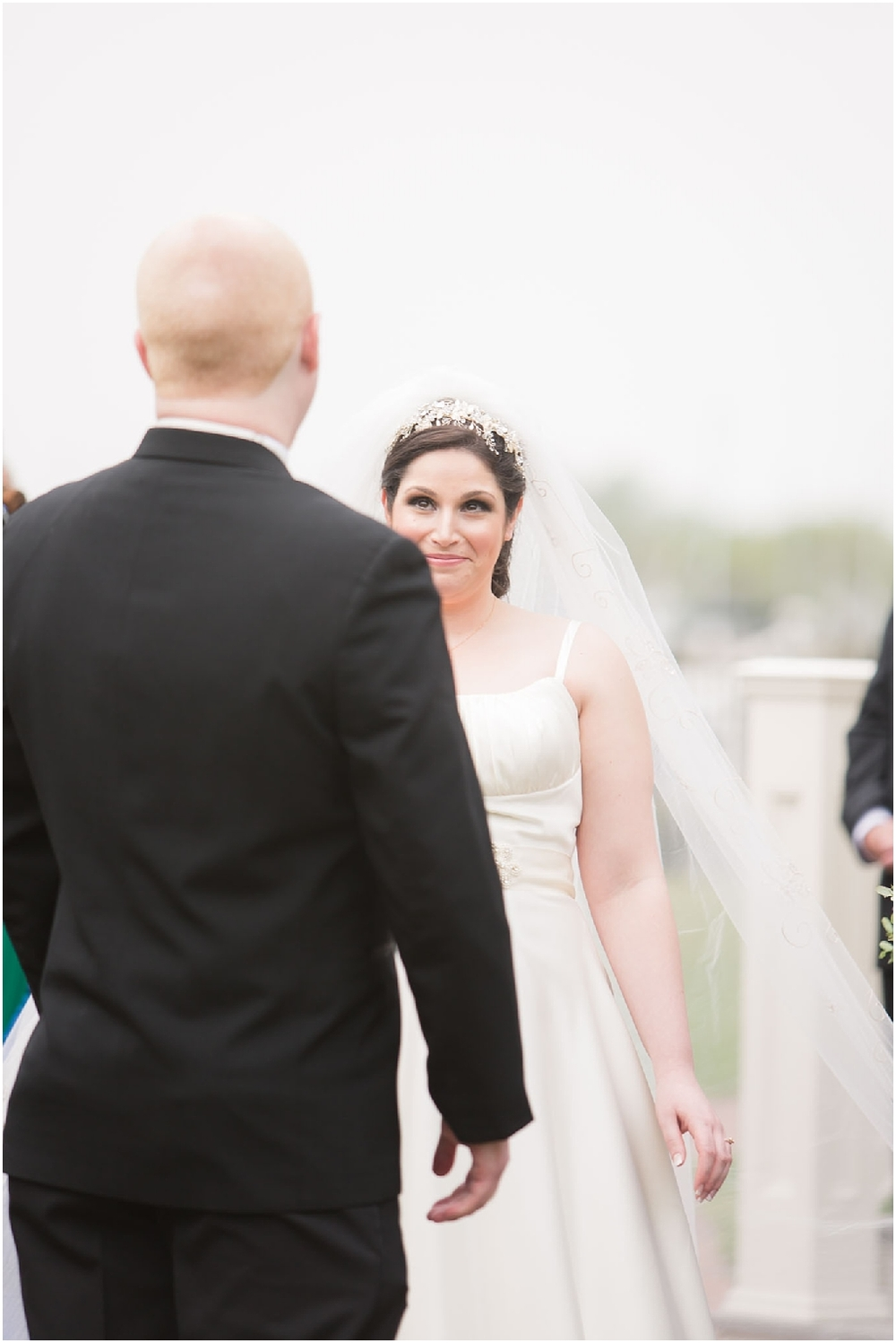 Clarks Landing Wedding first look photos