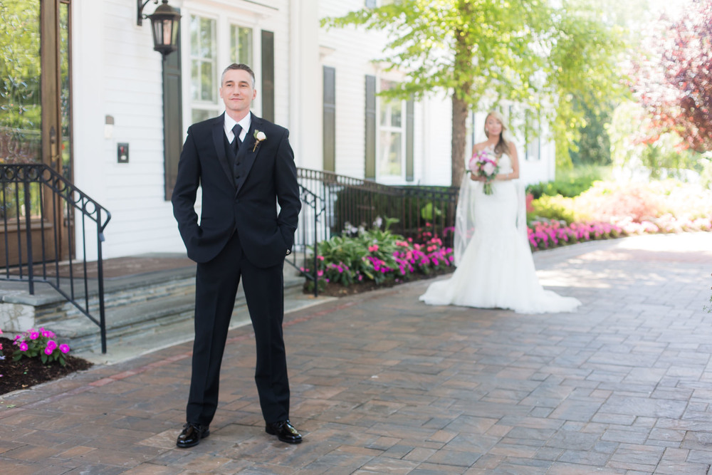 Should I do a first look? | Cinnamon Wolfe Photography | North NJ Wedding Photographer