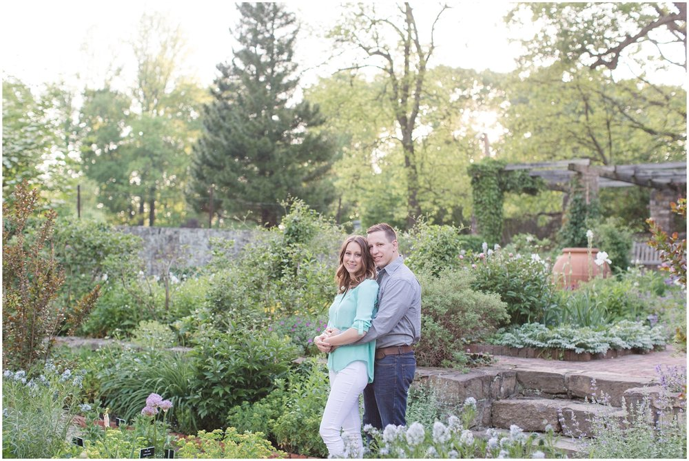 CrossEstateGardensEngagementPhotos_0136.jpg
