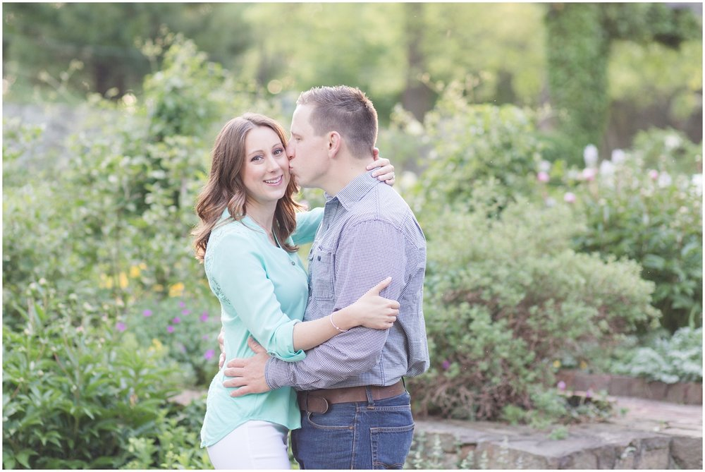 CrossEstateGardensEngagementPhotos_0147.jpg