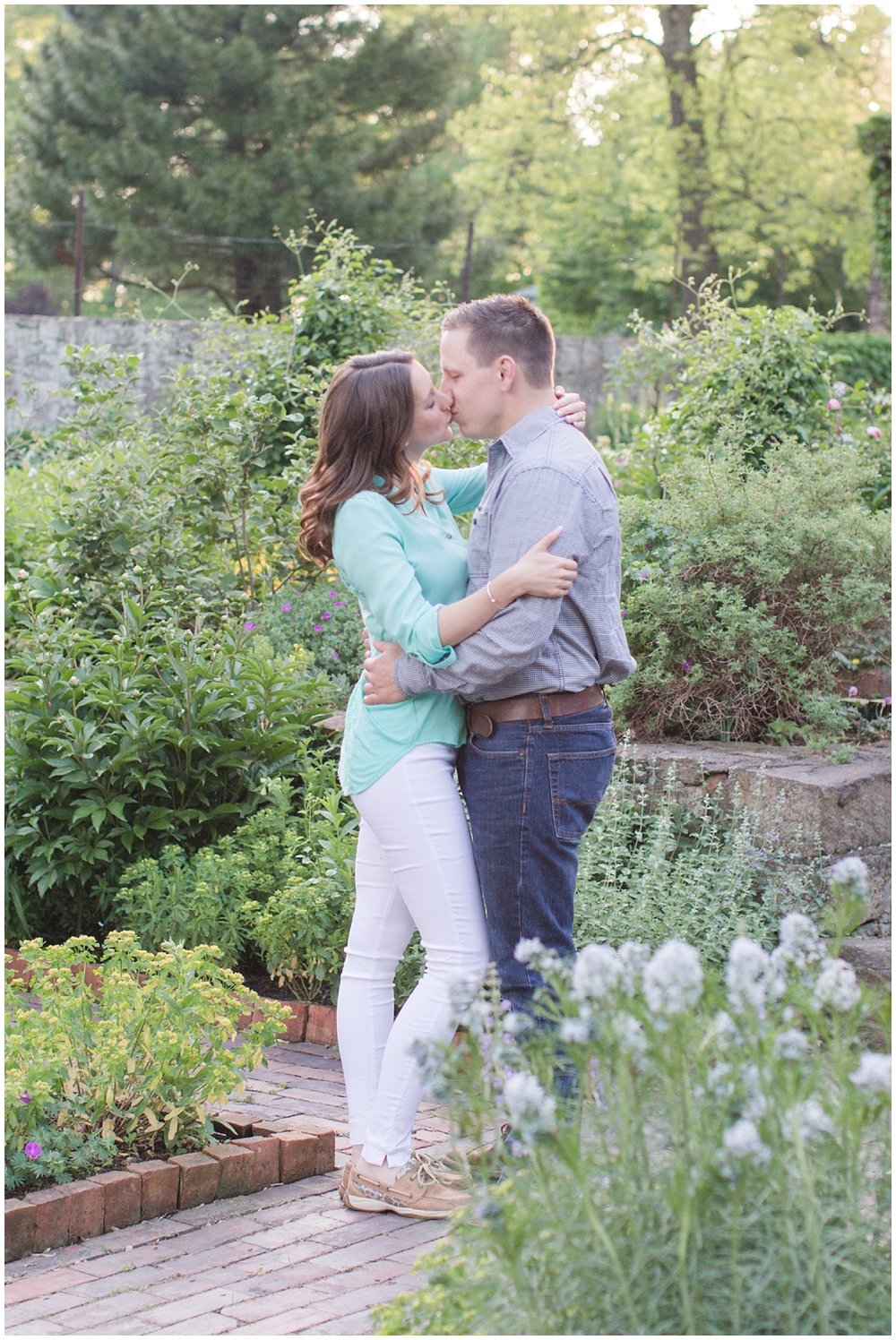 CrossEstateGardensEngagementPhotos_0148.jpg