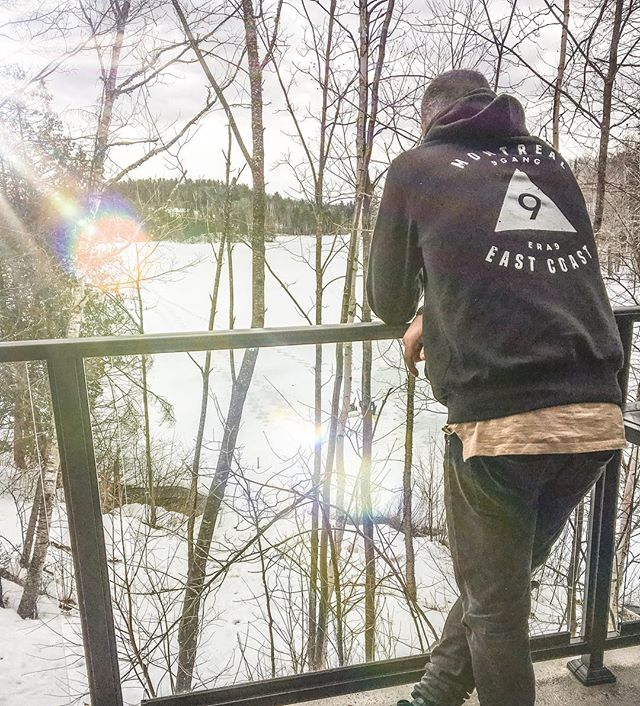 Enjoying nature for #easter #weekend 🐰🌲 #hoodieseason #sweaterweather #ERA9 #fashion #mtl #eastcoast #9gang #hoodie