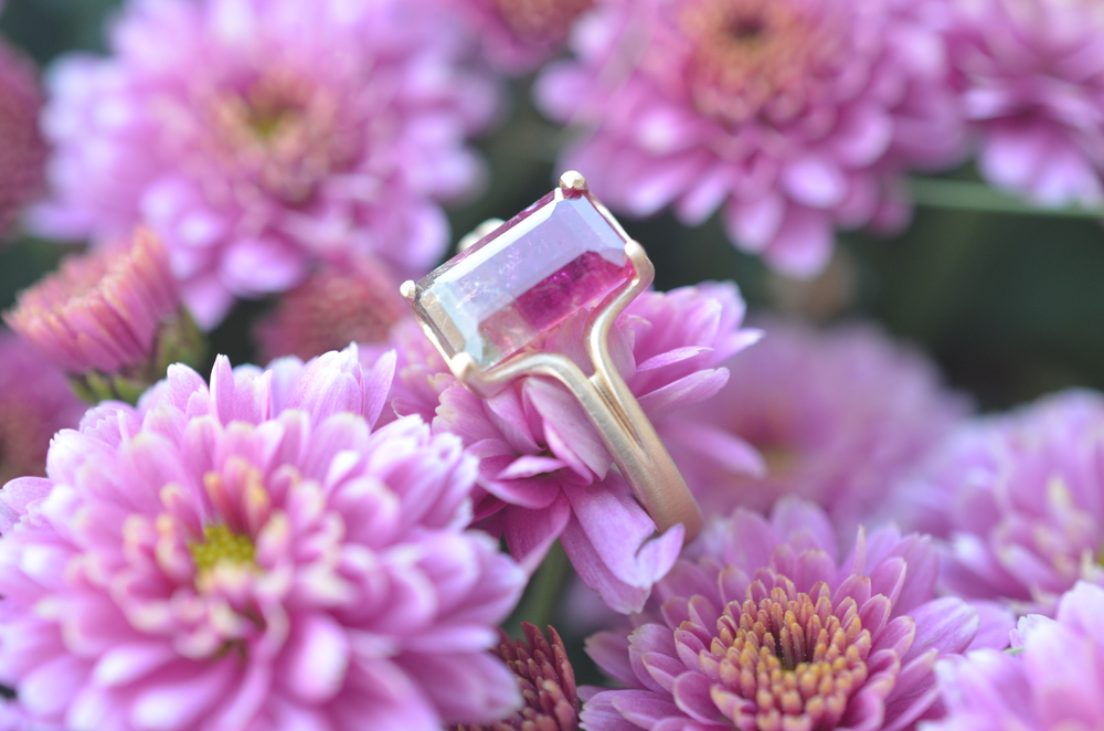 The one-of-a-kind ring, showing its resplendent colors!