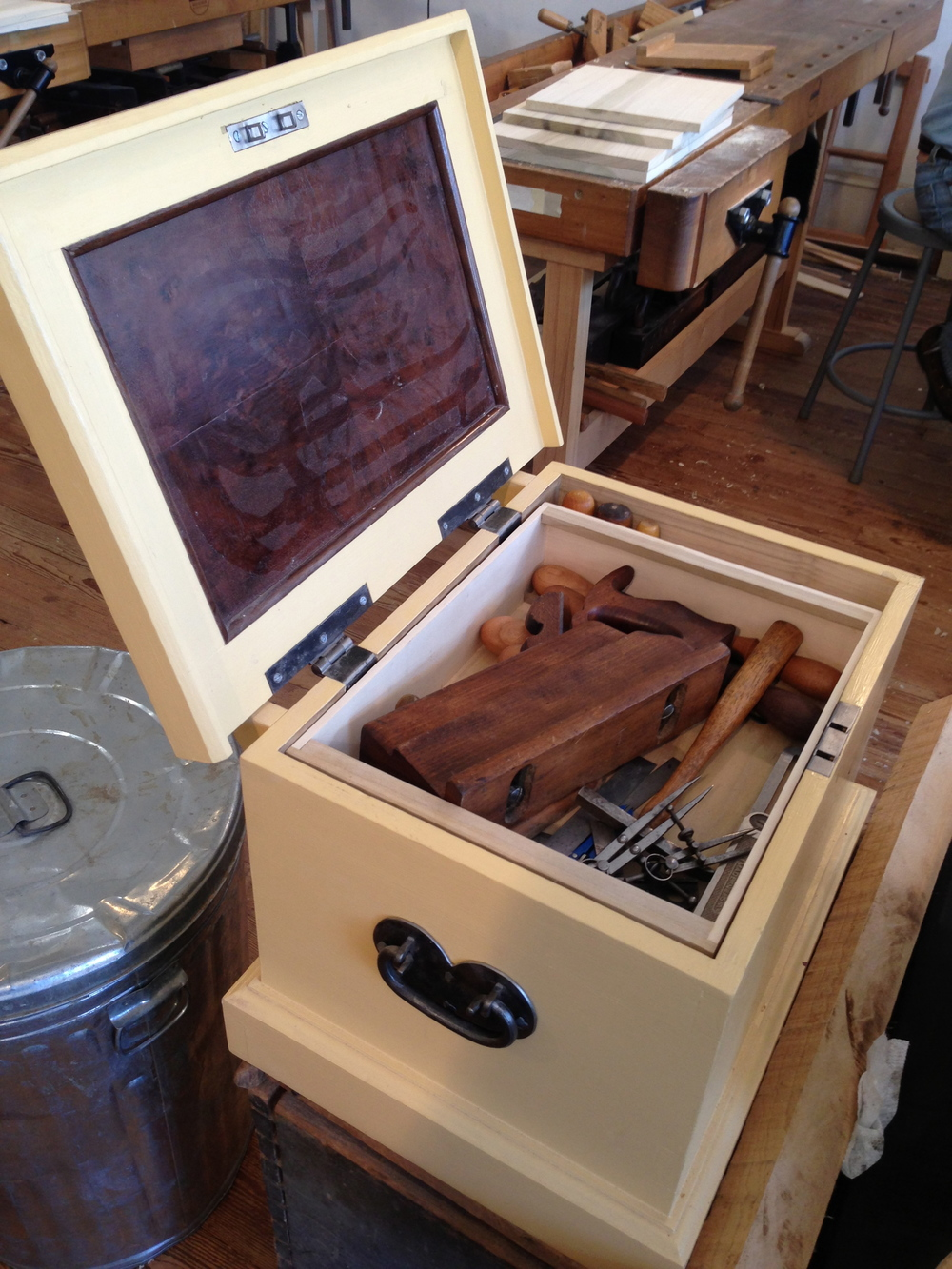 Bill's nice planes and chisels in his completed box