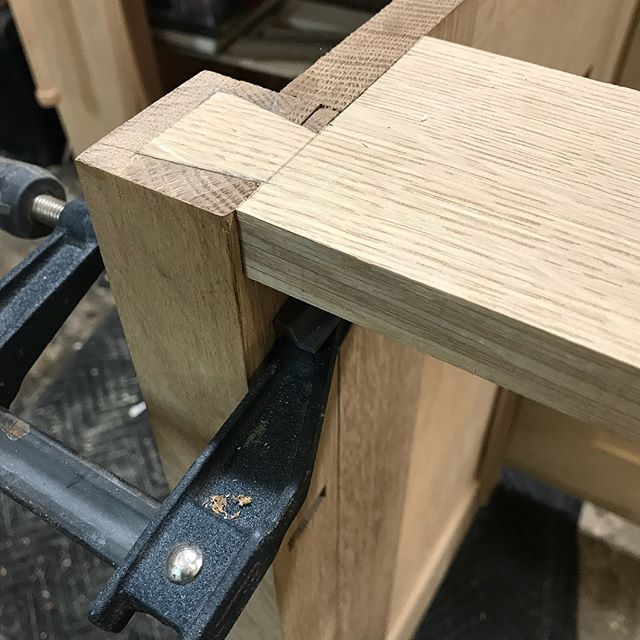 Fitting the dovetails for the top rail joint on this dresser build