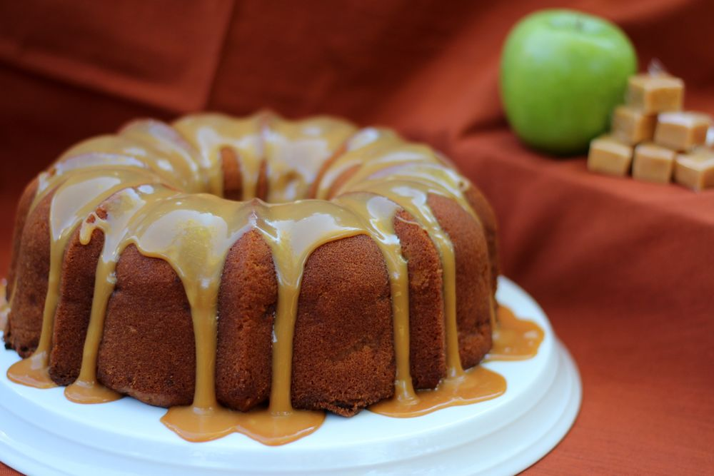 Caramel Apple Pound Cake : $24