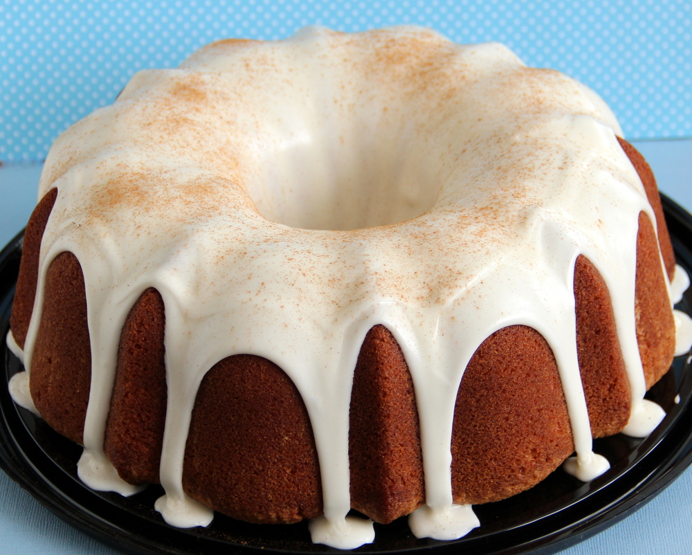 Cinnamon Roll Pound Cake : $24