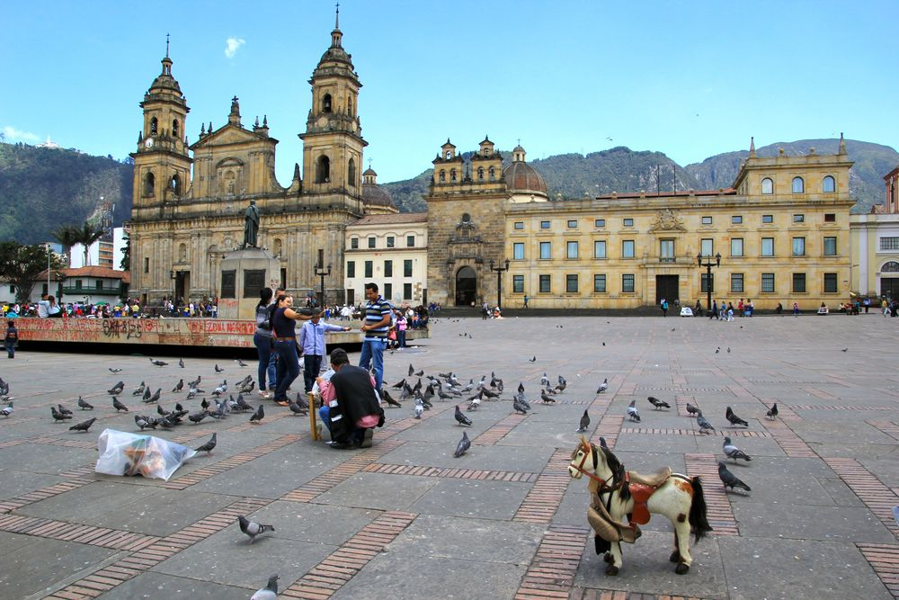 Family fun in Plaza de Bolívar.