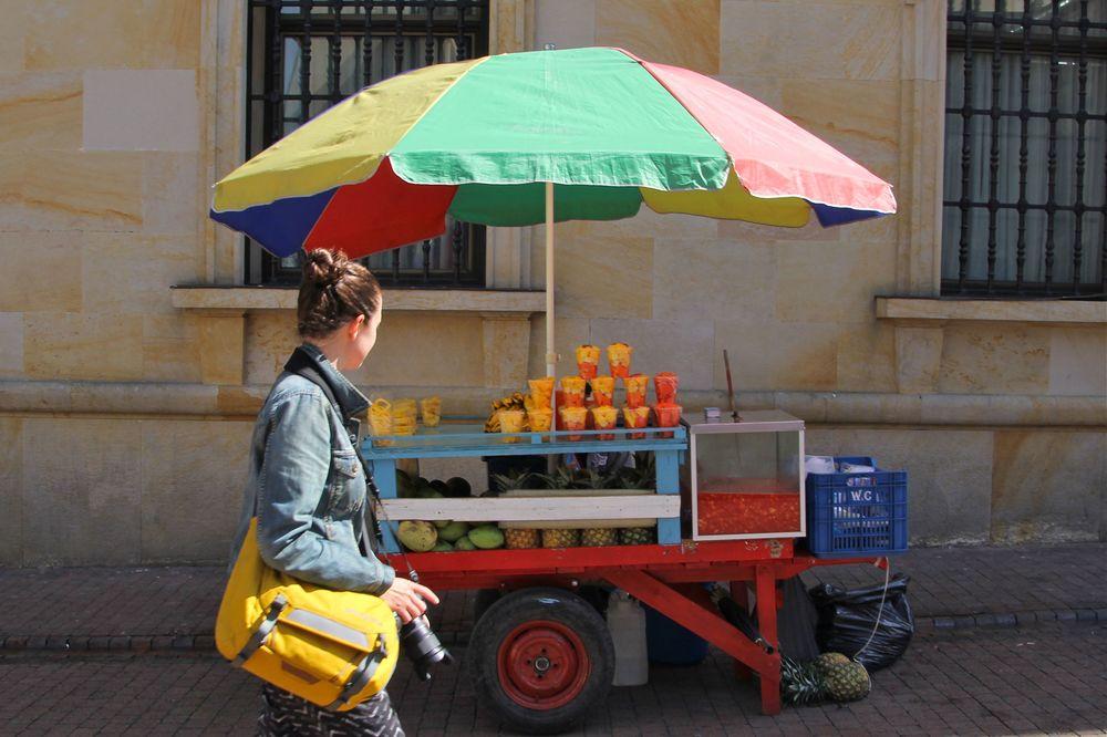 Scopin' juice and fruit.