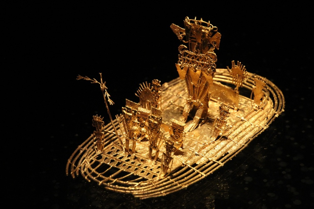 Gold figurine depicting the ceremony that gave rise to the legend of El Dorado.