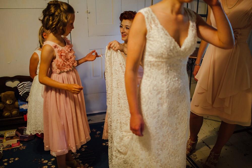 cedric and mariah family farm wedding ohio-11.jpg