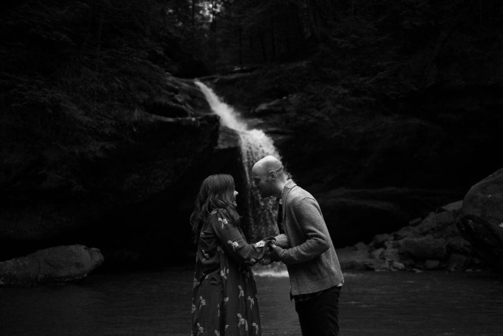 jake and krysti dayton ohio wedding photographer sarah rose hocking hills