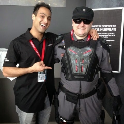 DUST University CEO Dennie Fleetfoot with  CCP Saberwing, at last year's Fanfest.
