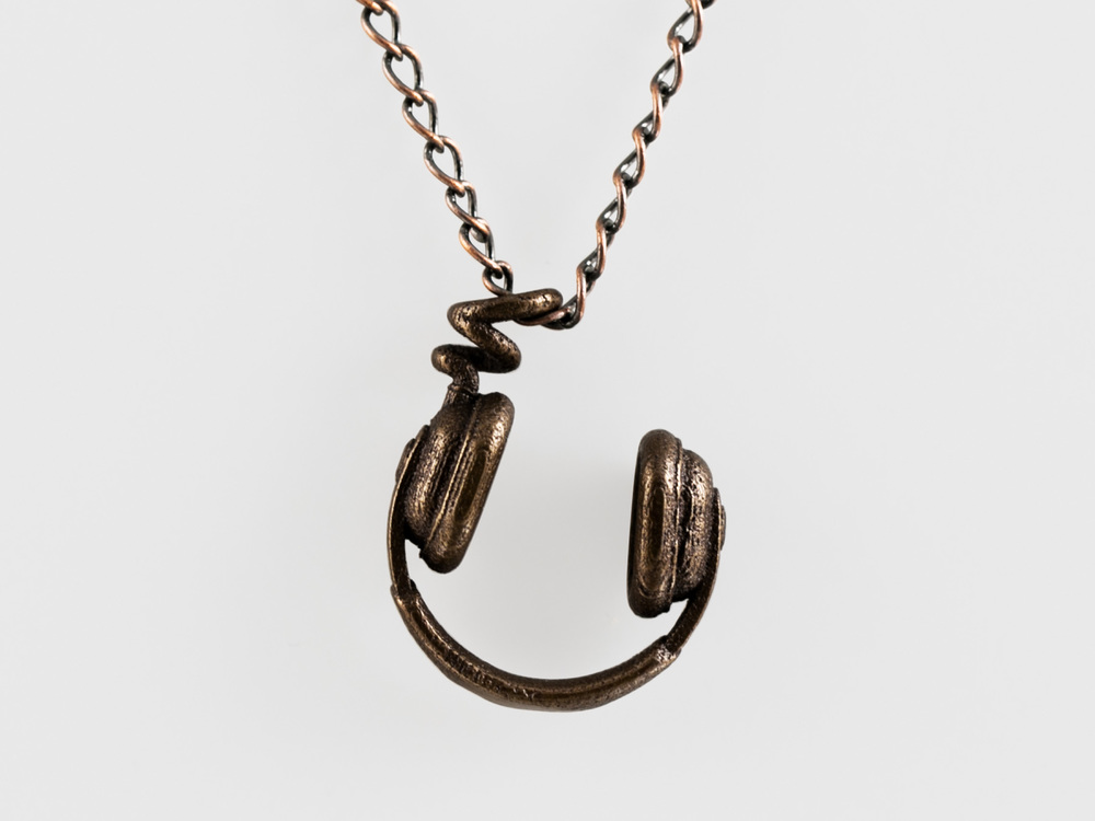 Headphones-Necklace-Bronze.jpg